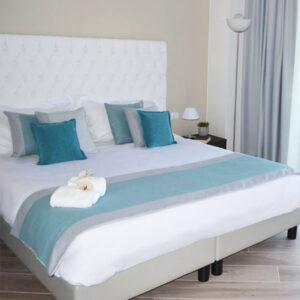 Bed runner colorato singolo in 7 colori. Acquista in sicurezza su Eurotex Hotellerie: gli specialisti della biancheria professionale.