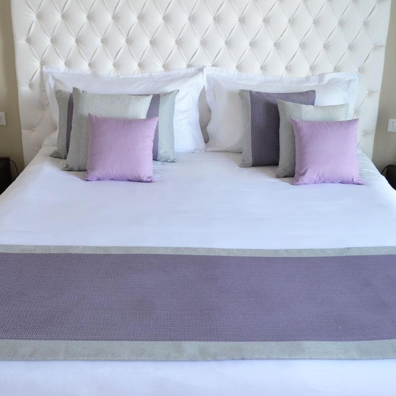 Cuscino arredamento con bordino per alberghi e b b eurotex - Cuscini arredo letto ...