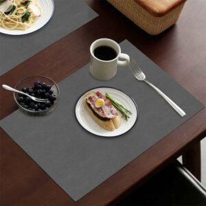 Tovaglietta monouso in carta paglia colorata usa e getta, la più richiesta e venduta. Scopri tutte le linee monouso di Eurotex Hotellerie!